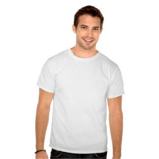 La camiseta blanca de los hombres con el logotipo  playeras