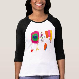 La camiseta coloreada multi envuelta larga de las