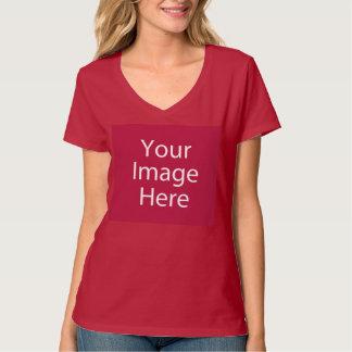 La camiseta con cuello de pico de las mujeres playera