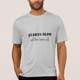 La camiseta corriente comienza lento y disminuye playeras