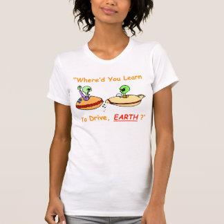 La camiseta de defensa de las mujeres extranjeras
