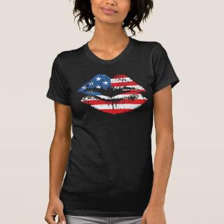 La camiseta de la bandera americana y de los labio playeras
