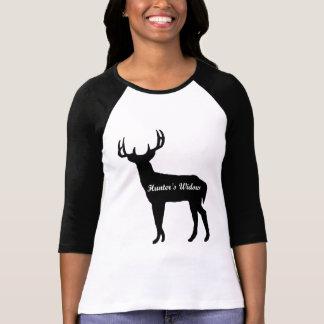 La camiseta de la mujer de la viuda del cazador