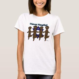 La camiseta de la mujer de los perros de patas muy