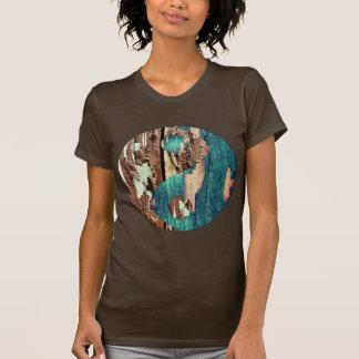 La camiseta de la textura de las mujeres de madera polera