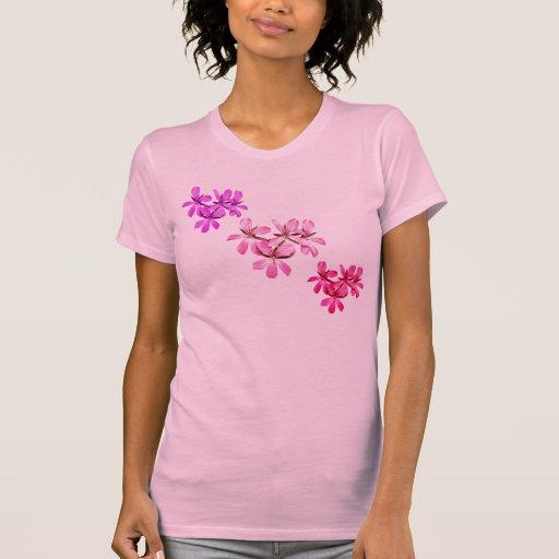 La camiseta de las flores de las mujeres rosadas p