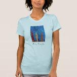 La camiseta de las mujeres cómodas del reino