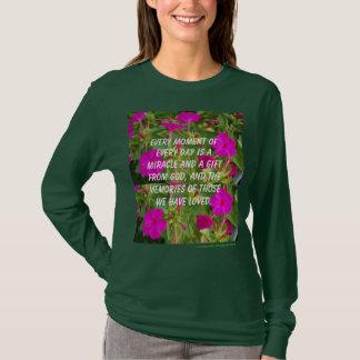 La camiseta de las mujeres de cuatro en punto del playeras