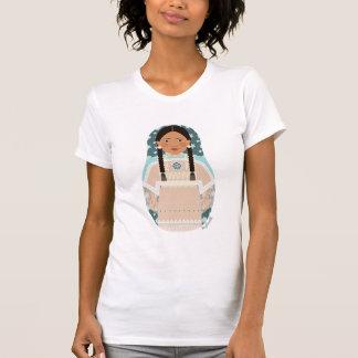 La camiseta de las mujeres de Matryoshka de la