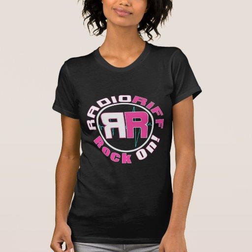 La camiseta de las mujeres de radio del riff