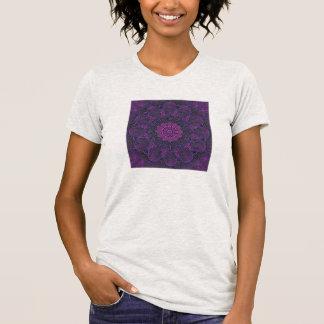 La camiseta de las mujeres del diseño del fractal