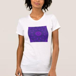 La camiseta de las mujeres del diseño del fractal playeras