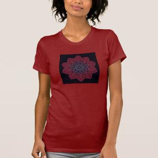 La camiseta de las mujeres del fractal (flor ZXK d Playeras