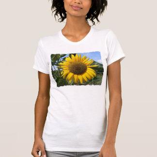 La camiseta de las mujeres del girasol