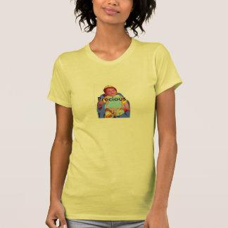"""La camiseta de las mujeres """"muy """""""