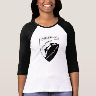 La camiseta de las mujeres nobles del equipo playeras