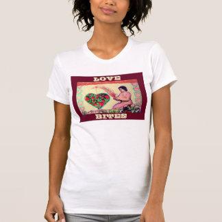 La camiseta de las señoras de las MORDEDURAS de