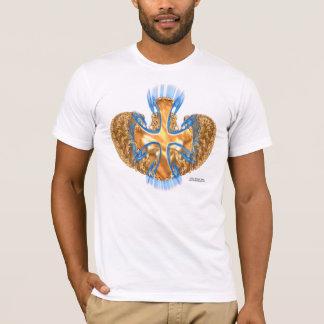 La camiseta de los hombres cruzados cons alas
