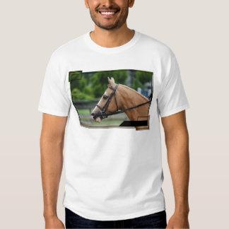 La camiseta de los hombres del caballo del poleras
