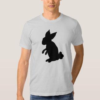La camiseta de los hombres grandes del conejito polera