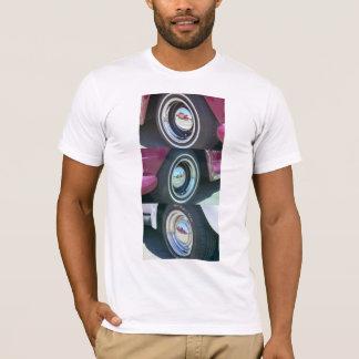 La camiseta de los hombres reflectores de las
