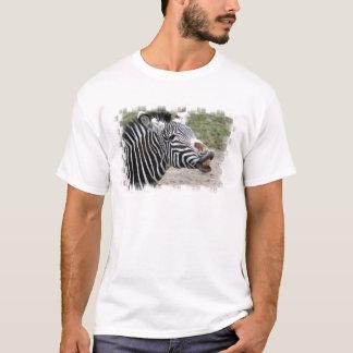 La camiseta de los hombres sonrientes de la cebra