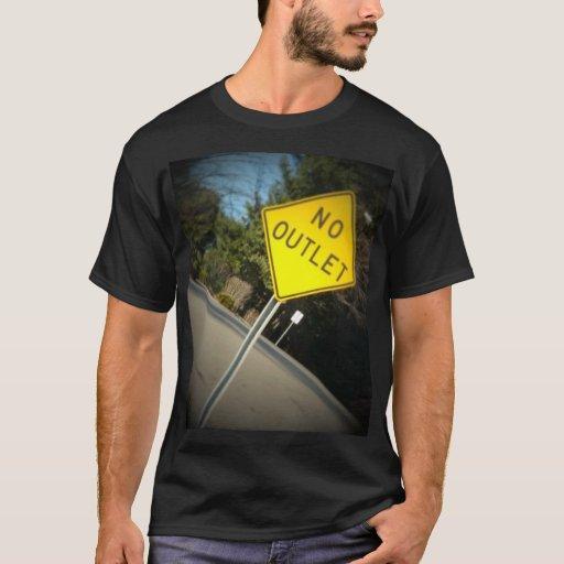 La camiseta de ningunos hombres del mercado