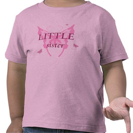 La camiseta del chica de la mariposa del rosa de