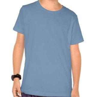 La camiseta del muchacho con anhela el diseño de l