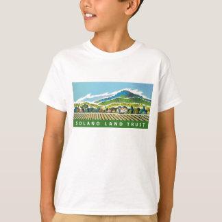 La camiseta del niño con el logotipo de SLT Playeras