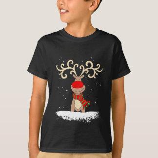 la camiseta del niño con la nariz roja del reno