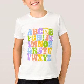 La camiseta del niño de ABC - el alfabeto