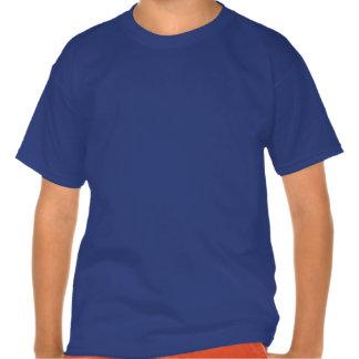 La camiseta del niño de la sesión de atasco