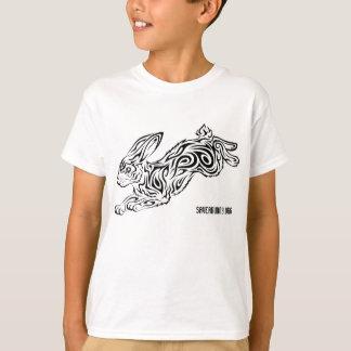 La camiseta del niño tribal del conejo camisas