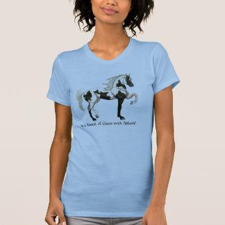La camiseta del Pinto de la mujer árabe del caball