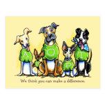 La camiseta del verde del beneficio de la adopción postal