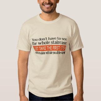 La camiseta divertida del primer paso playeras