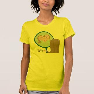 """La camiseta gráfica de las mujeres """"usted R amó 1"""""""