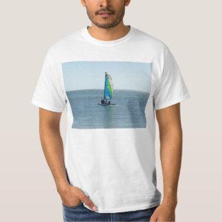 La camiseta grande de los hombres - pequeño velero poleras