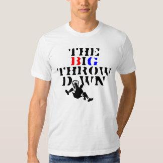 La camiseta grande del Throwdown para el el rico y Playera