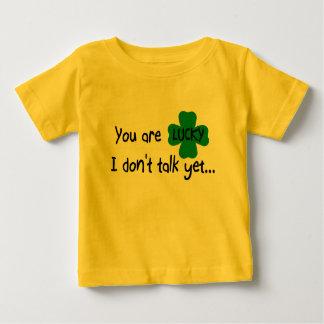 La camiseta infantil segura del secreto