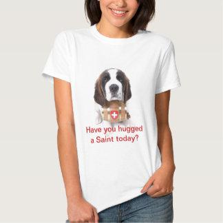 ¿La camiseta le tiene abrazado un santo hoy? Camisas