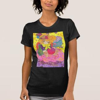 La camiseta menuda de las mujeres oscuras de poleras