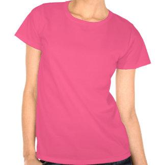 La camiseta oscura de las señoras rosadas que