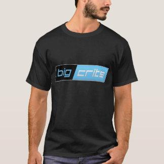 La camiseta oscura de los hombres