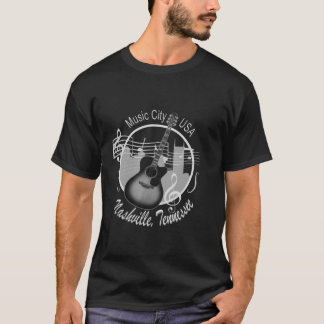 La camiseta oscura de los hombres de plata del