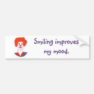 La cara feliz del payaso, sonriendo mejora mi humo pegatina de parachoque