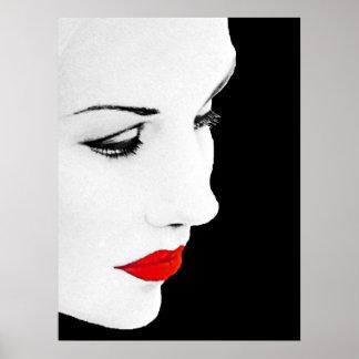 La cara parcial de la mujer labiada roja impresiones