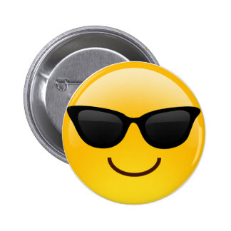 La cara sonriente con las gafas de sol refresca pin redondo de 2 pulgadas