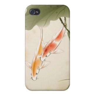 La carpa japonesa pesca la natación en la charca d iPhone 4/4S fundas
